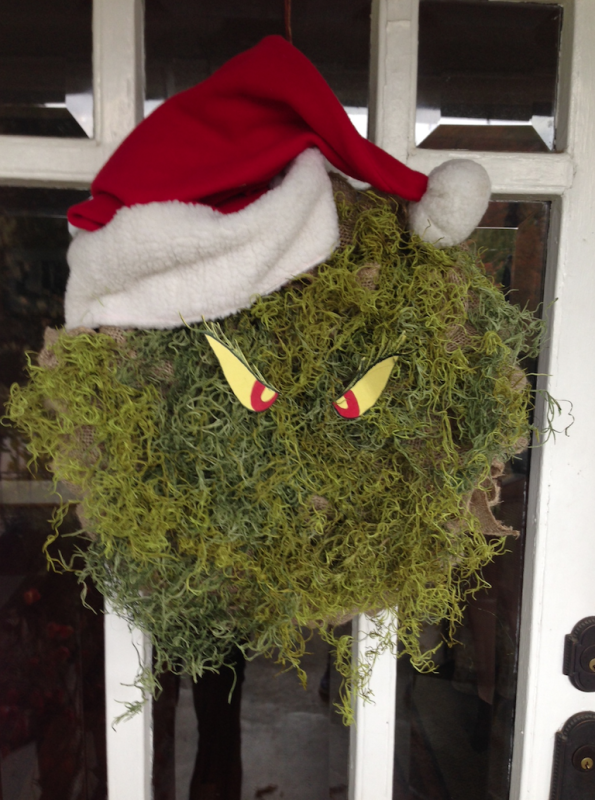 grinch-christmas-wreath-595x800