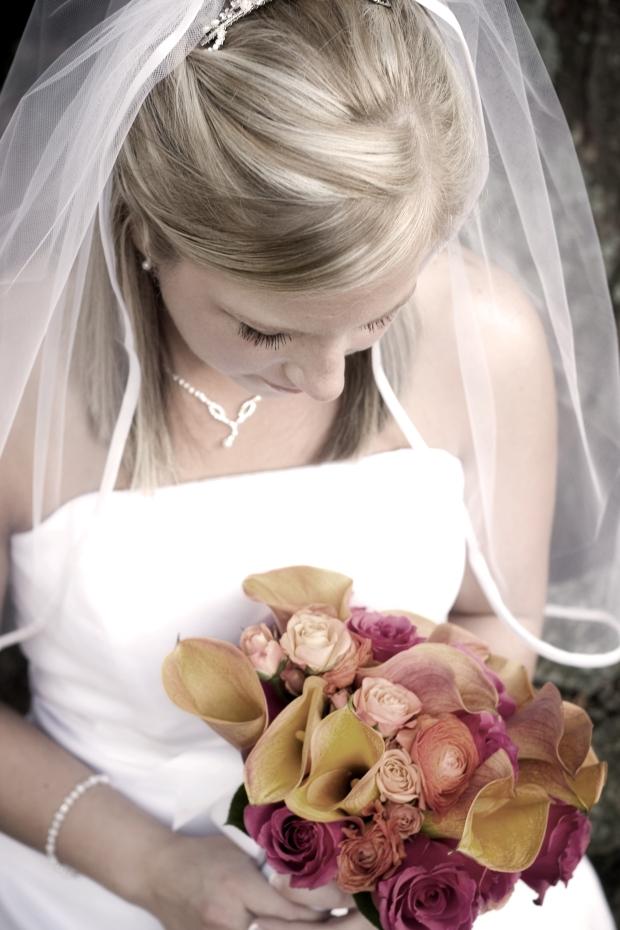 Mae_Mae_Bridal_Portrait