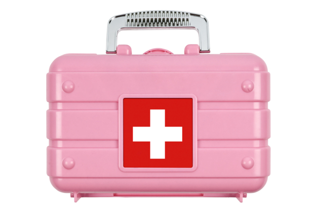 wedding-day-emergency-kit-1-624x417