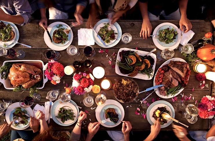 home-2015-11-thanksgiving-dinner-stocksy-main