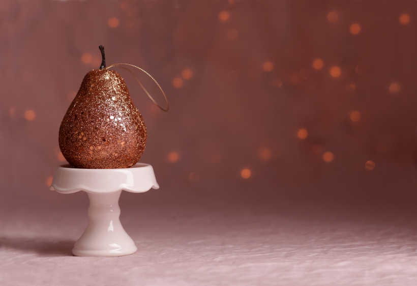 studio-louvain-christmas-pear-l